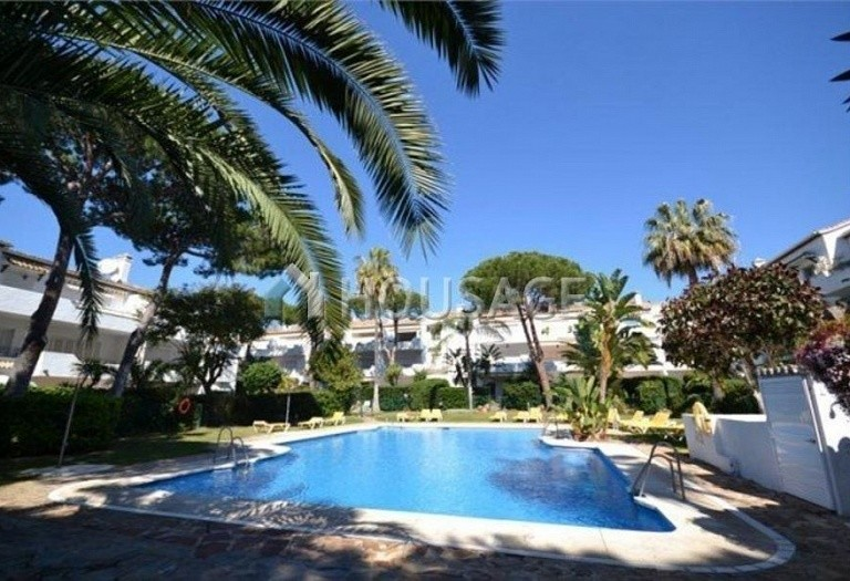 Flat for sale in New Golden Mile, Estepona, Spain, 196 m² - photo 1