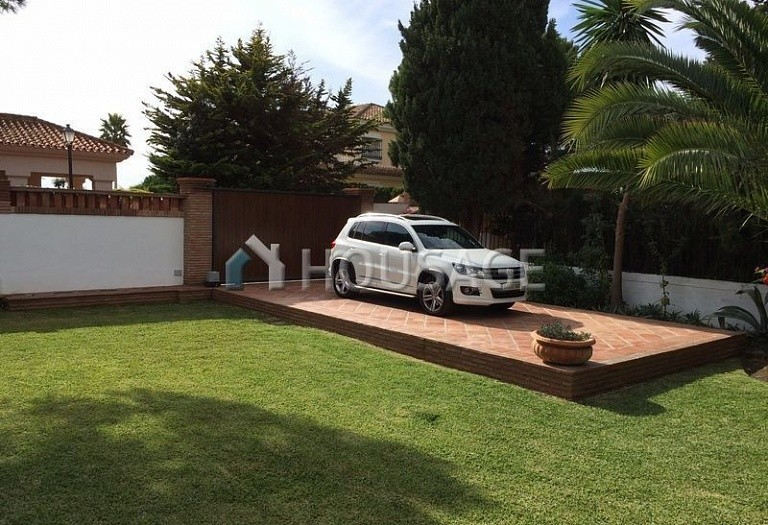 Villa for sale in Elviria, Marbella, Spain, 570 m² - photo 11