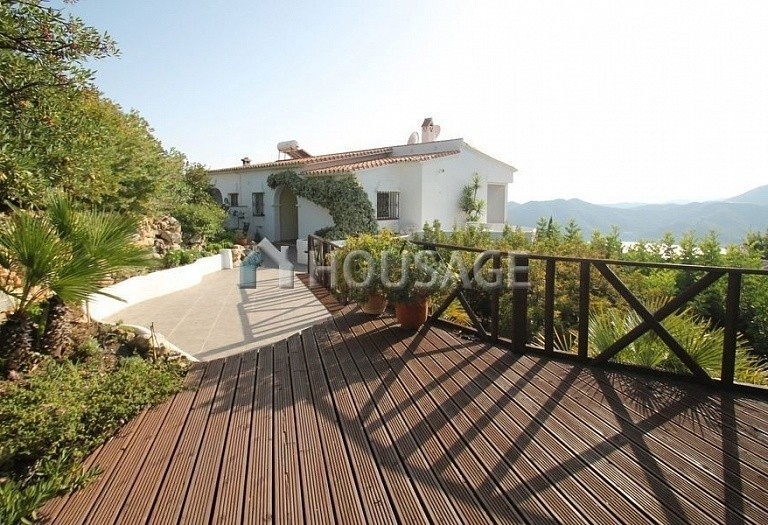 Villa for sale in Istan Road, Istán, Spain, 260 m² - photo 2