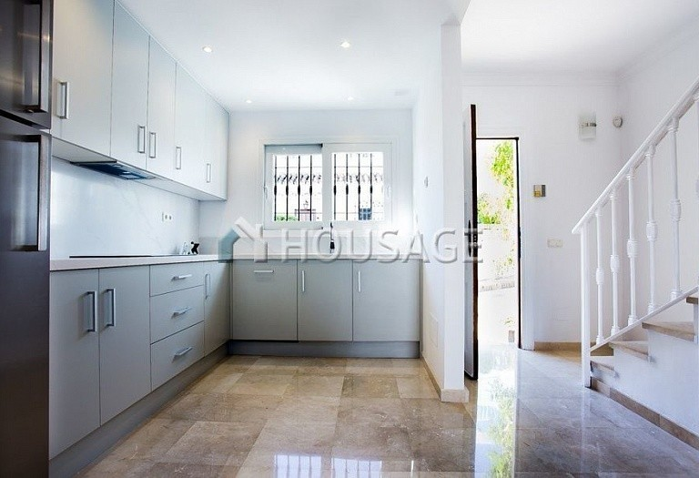 Townhouse for sale in Nueva Andalucia, Marbella, Spain, 249 m² - photo 11