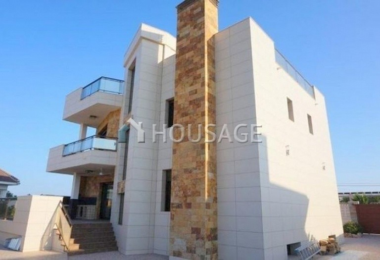 3 bed villa for sale in Torrevieja, Spain - photo 8