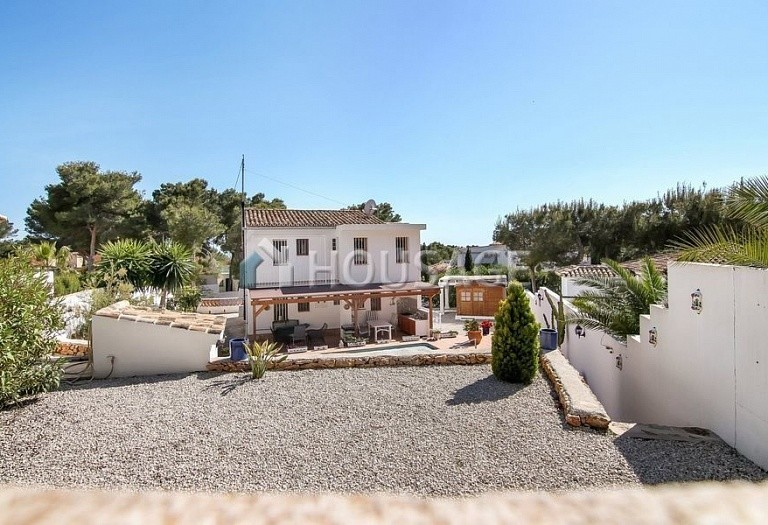 5 bed villa for sale in Benisa, Spain, 195 m² - photo 2