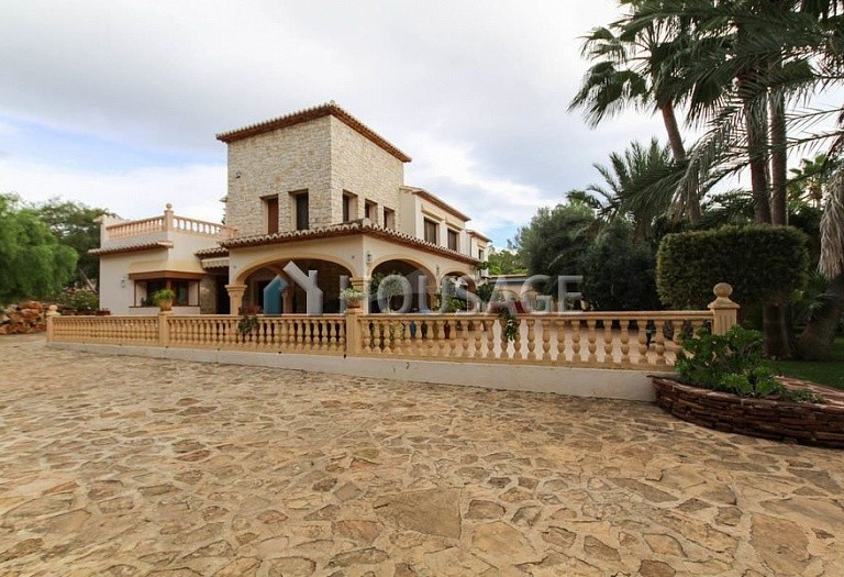10 bed villa for sale in Sabatera, Moraira, Spain, 907 m² - photo 2