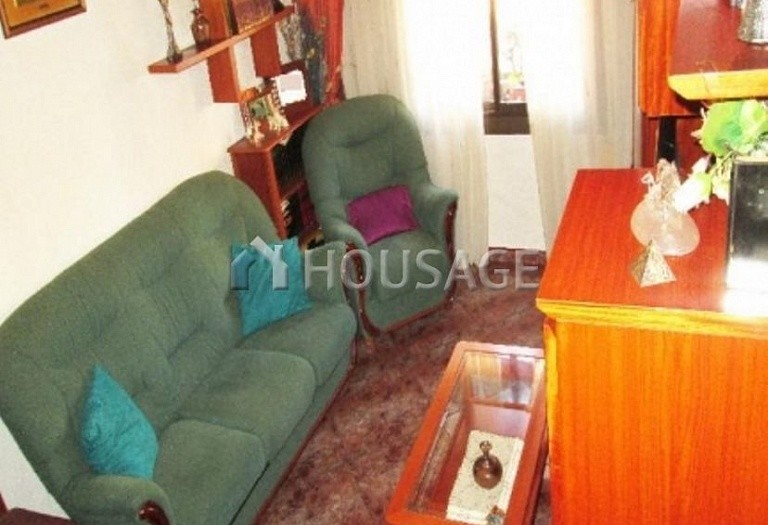 4 bed flat for sale in Hospitalet, Spain, 97 m² - photo 16