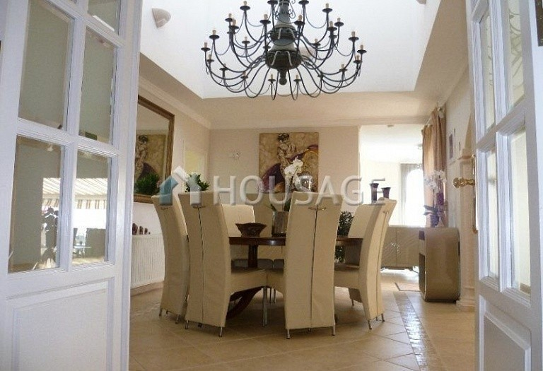 Villa for sale in El Rosario, Marbella, Spain, 311 m² - photo 7