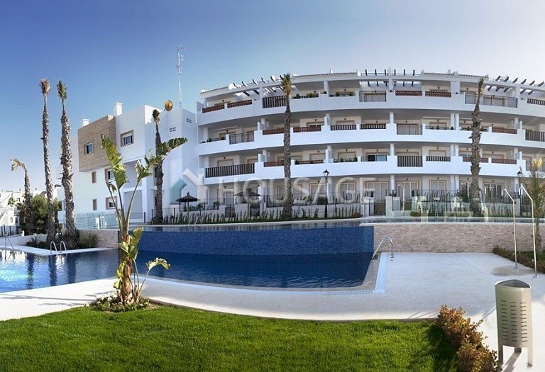 3 bed apartment for sale in Orihuela Costa, Spain - photo 2