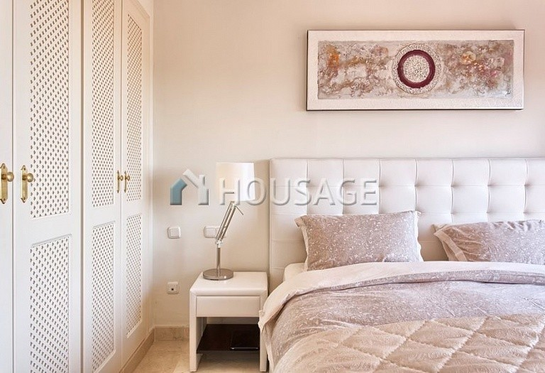 Apartment for sale in Los Almendros, Benahavis, Spain, 189 m² - photo 10