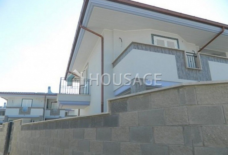 3 bed townhouse for sale in Anzio, Italy, 115 m² - photo 2