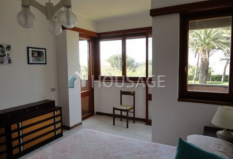 4 bed villa for sale in Santa Marinella, Italy, 320 m² - photo 5