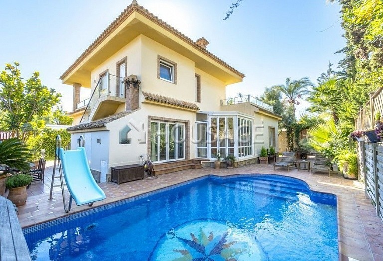 6 bed villa for sale in Orihuela, Spain, 252 m² - photo 1