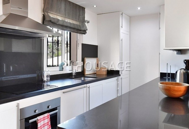 Flat for sale in Nueva Andalucia, Marbella, Spain, 191 m² - photo 4