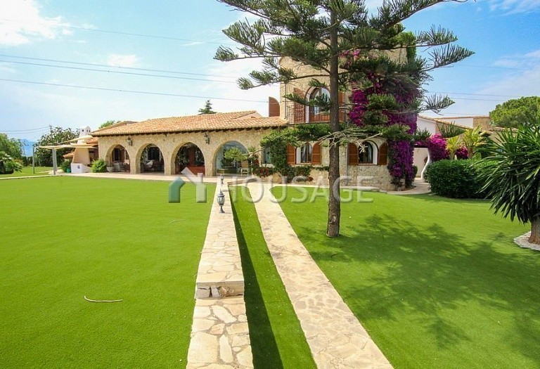 4 bed villa for sale in Benisa, Spain, 517 m² - photo 1