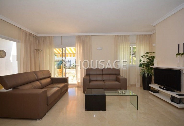3 bed apartment for sale in Estepona, Spain, 123 m² - photo 5