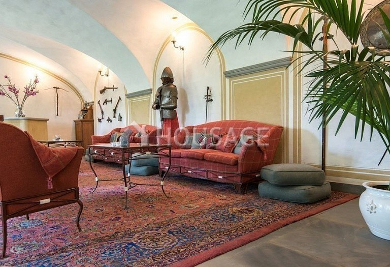 Villa for sale in Florence, Italy, 2800 m² - photo 2