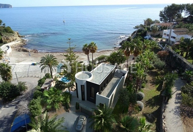 5 bed villa for sale in Calpe, Calpe, Spain, 295 m² - photo 1