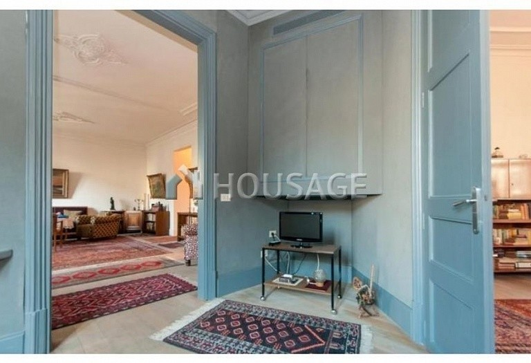 2 bed flat for sale in Eixample, Barcelona, Spain, 169 m² - photo 3