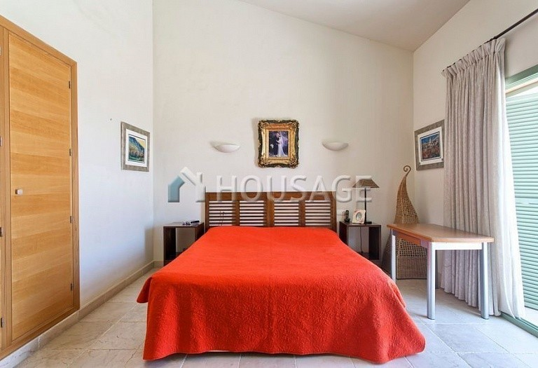 Flat for sale in Los Flamingos, Benahavis, Spain, 300 m² - photo 17