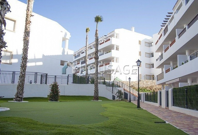 3 bed apartment for sale in Orihuela Costa, Spain - photo 3