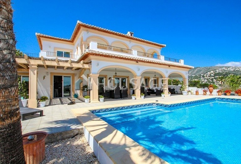 5 bed villa for sale in Sol Park, Moraira, Spain, 383 m² - photo 1