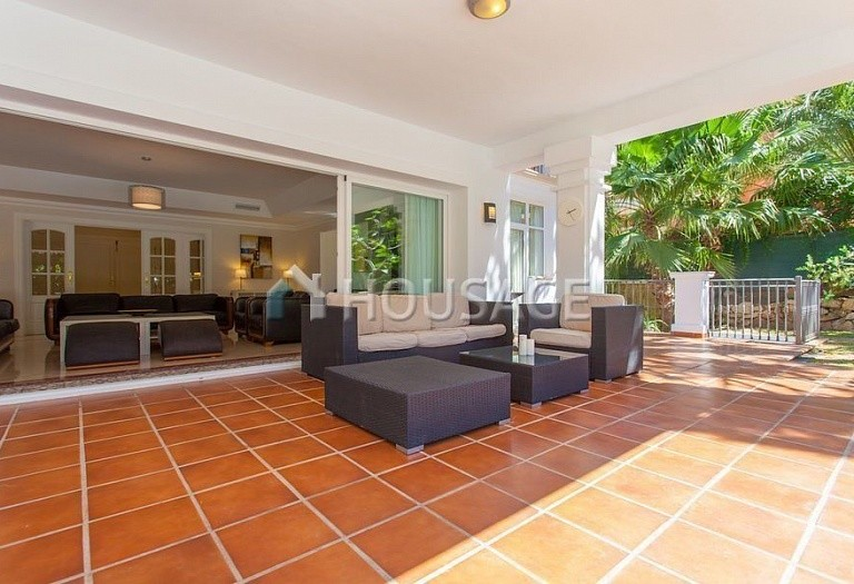 Villa for sale in Las Chapas, Marbella, Spain, 720 m² - photo 13