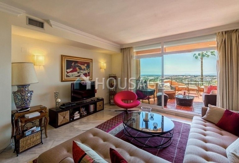 Apartment for sale in Nueva Andalucia, Marbella, Spain, 160 m² - photo 7