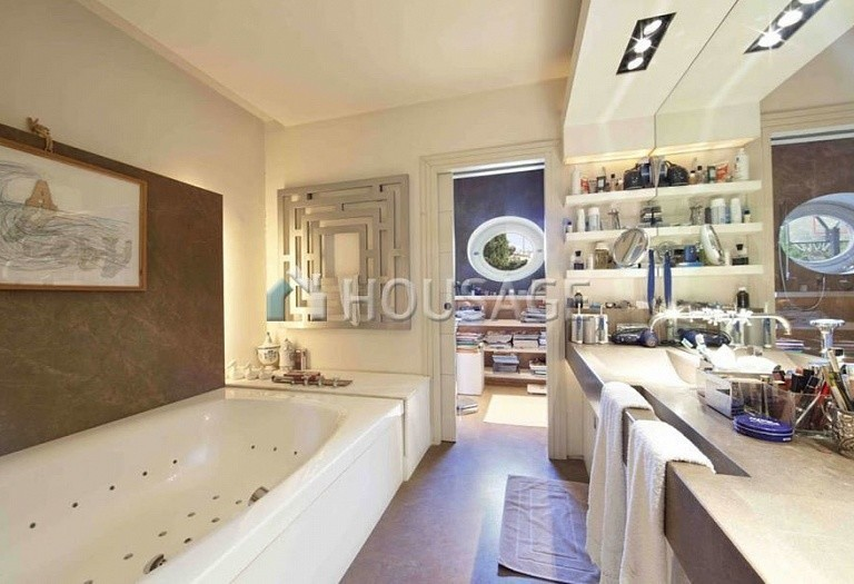 3 bed flat for sale in Rome, Italy, 550 m² - photo 12