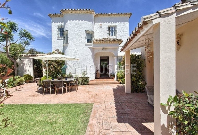 Villa for sale in Nueva Andalucia, Marbella, Spain, 366 m² - photo 9