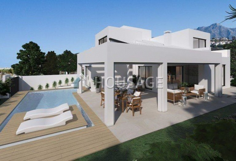 4 bed villa for sale in Marbella, Spain, 400 m² - photo 1