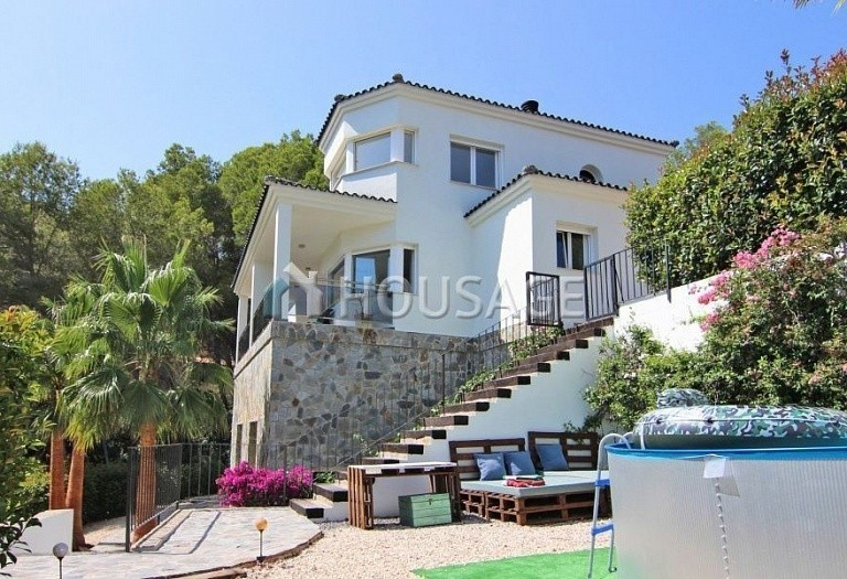 4 bed villa for sale in Altea, Spain, 275 m² - photo 1