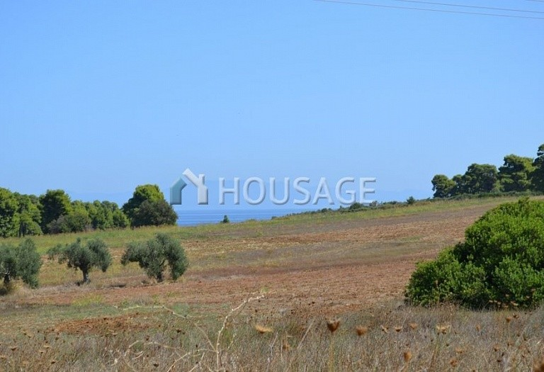 Land for sale in Nea Fokaia, Kassandra, Greece - photo 1