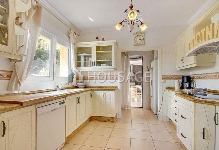 3 bed villa for sale in Calpe, Spain, 300 m² - photo 5