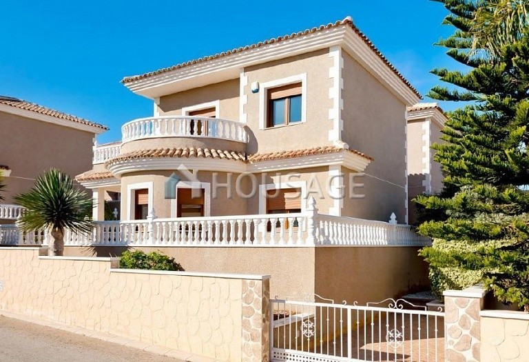 3 bed villa for sale in Torrevieja, Spain, 106 m² - photo 1