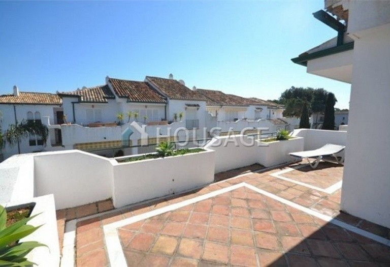 Flat for sale in New Golden Mile, Estepona, Spain, 196 m² - photo 2
