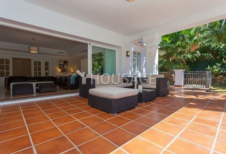 Villa for sale in Las Chapas, Marbella, Spain, 720 m² - photo 5