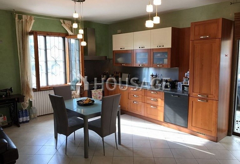 6 bed villa for sale in Castellaro, Italy, 240 m² - photo 10