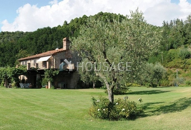 5 bed villa for sale in Montecatini Terme, Italy, 760 m² - photo 3