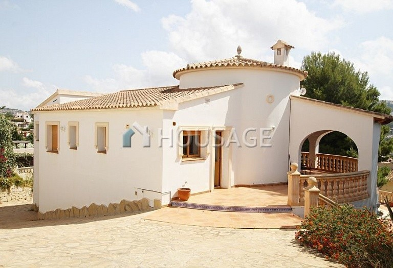 6 bed villa for sale in Sabatera, Moraira, Spain, 165 m² - photo 2