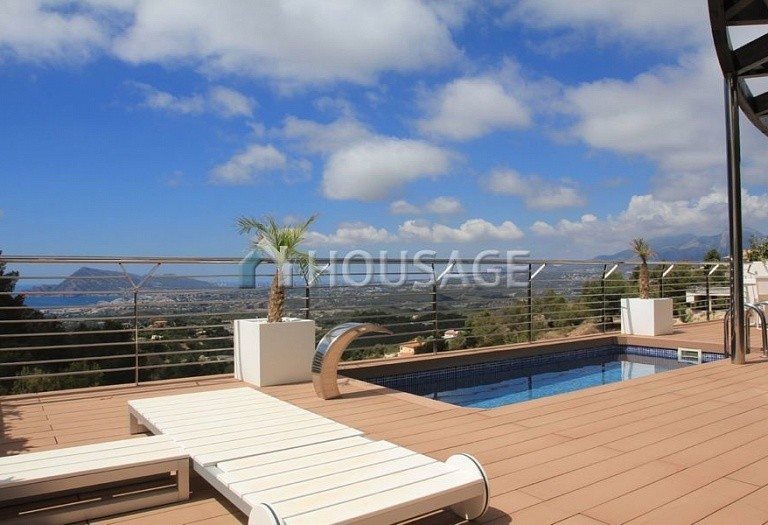 3 bed villa for sale in Altea, Spain, 295 m² - photo 1
