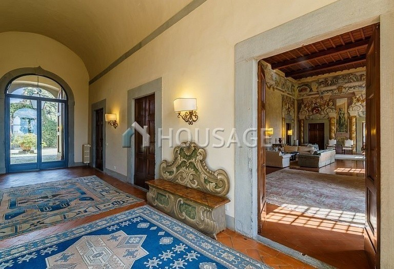 9 bed villa for sale in Florence, Italy, 2800 m² - photo 3
