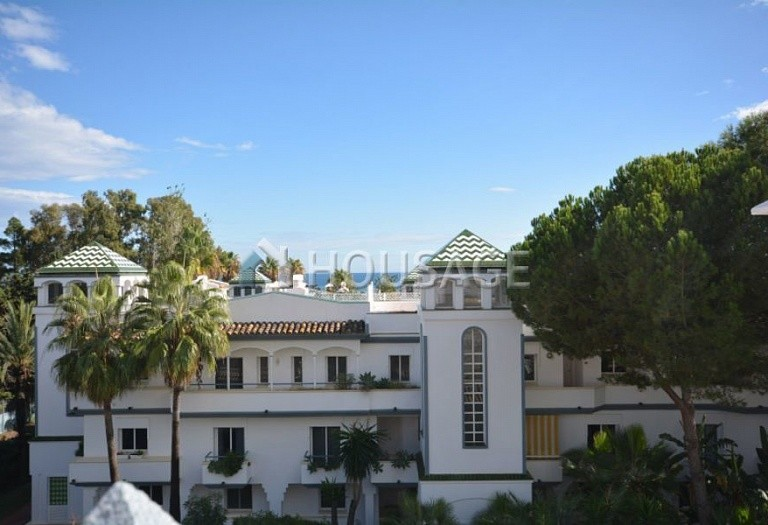 3 bed apartment for sale in Estepona, Spain, 123 m² - photo 2