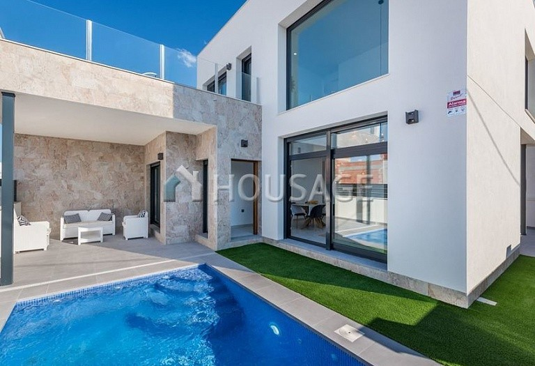 3 bed villa for sale in Daya Vieja, Spain, 225 m² - photo 2