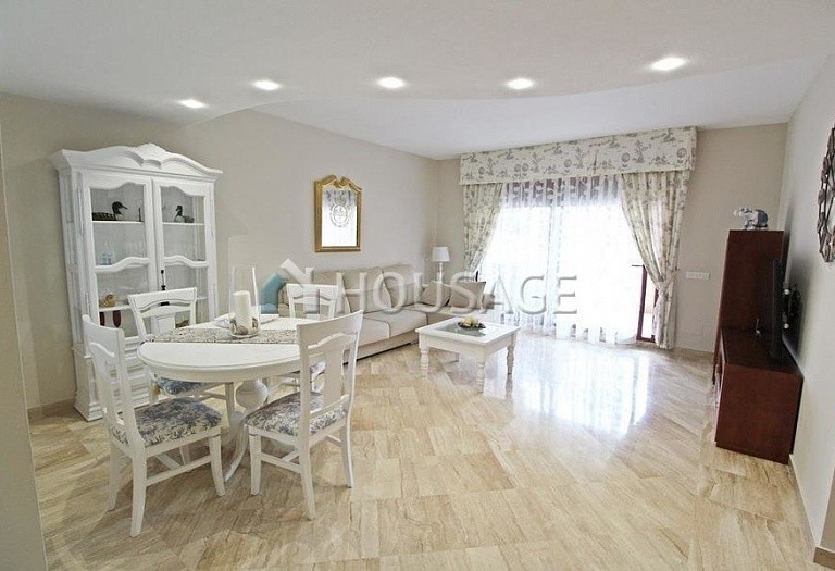 Apartment for sale in San Pedro Playa, San Pedro de Alcantara, Spain, 118 m² - photo 2