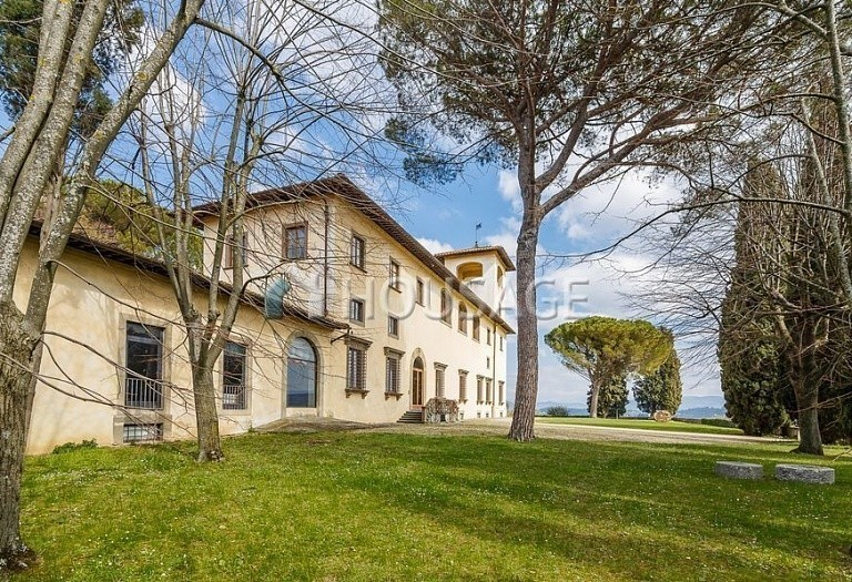 9 bed villa for sale in Florence, Italy, 2800 m² - photo 49