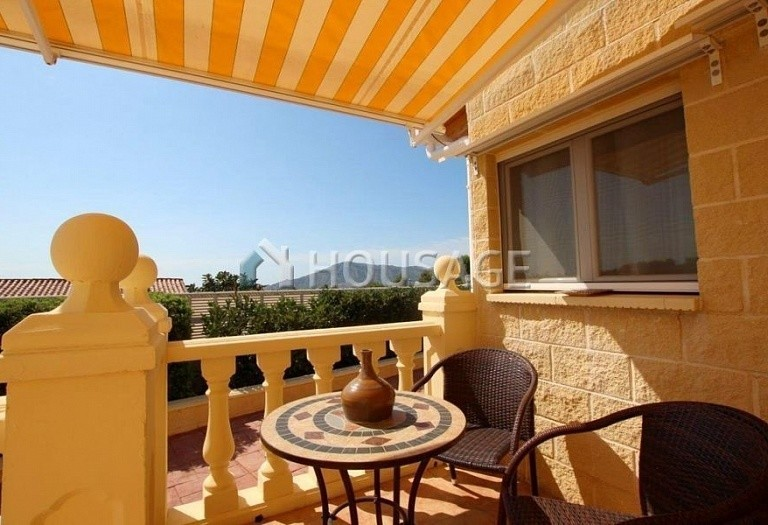2 bed villa for sale in La Nucia, Spain, 190 m² - photo 2