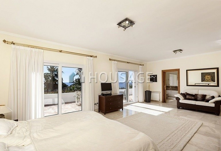 Villa for sale in Marbella Golden Mile, Marbella, Spain, 492 m² - photo 8
