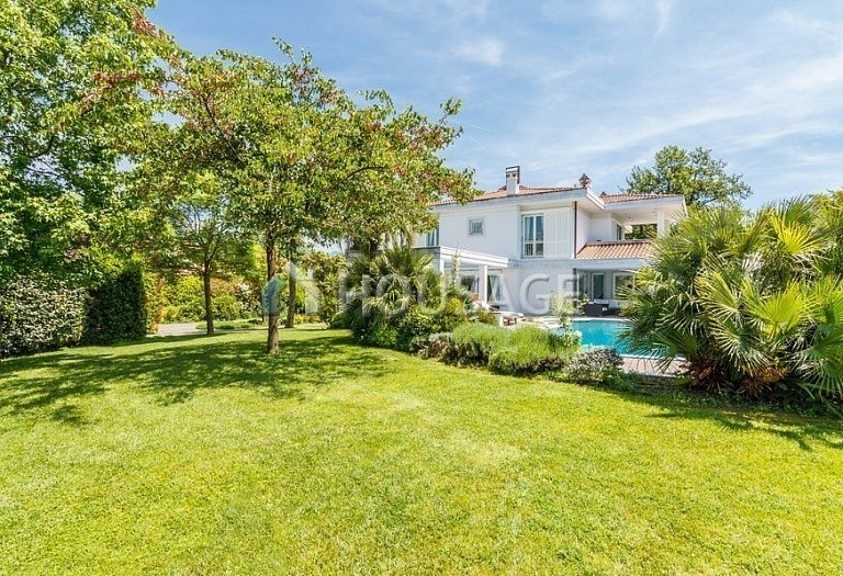 6 bed villa for sale in Forte dei Marmi, Italy, 560 m² - photo 49
