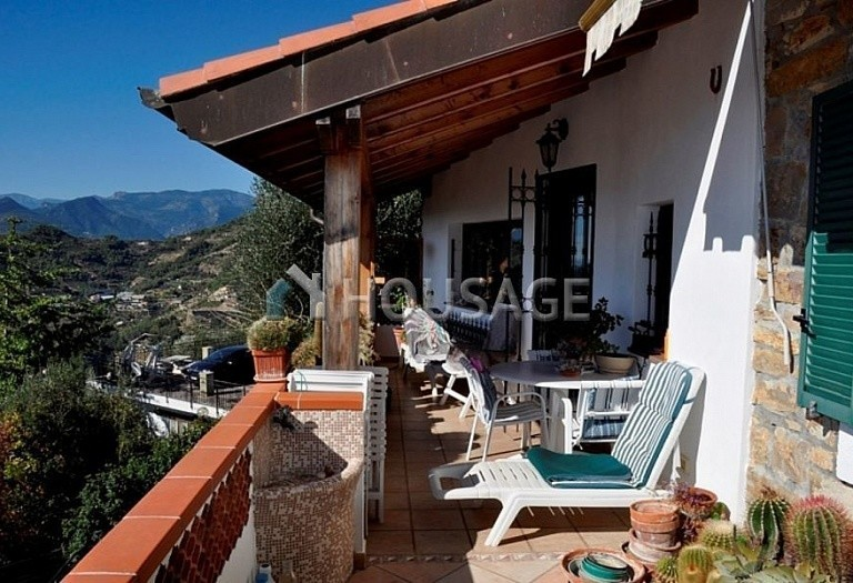 4 bed villa for sale in Vallebona, Italy, 120 m² - photo 11