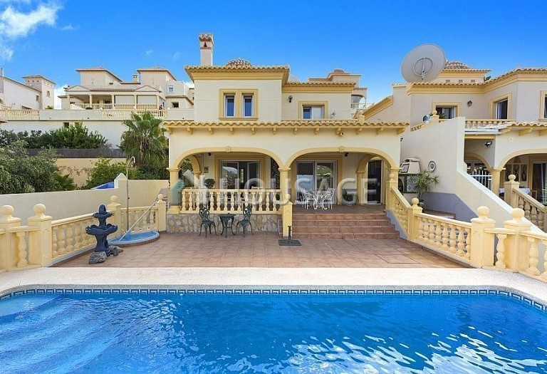 4 bed villa for sale in Calpe, Spain, 205 m² - photo 1