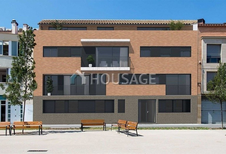 3 bed townhouse for sale in Sabadell, Spain, 146 m² - photo 1