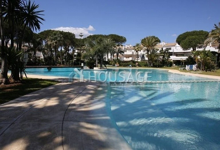 Flat for sale in New Golden Mile, Estepona, Spain, 196 m² - photo 9